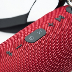 XXL Hordozható Vezeték Nélküli Hangszóró és Vésztöltő Vízálló USB TF MP3 FM Rádió