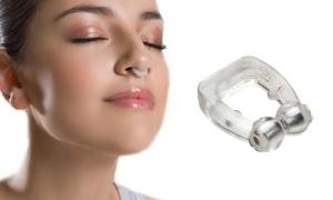 Horkolásgátló orrcsipesz mágneses